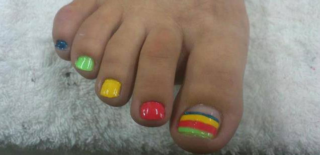 uñas pies pintadas