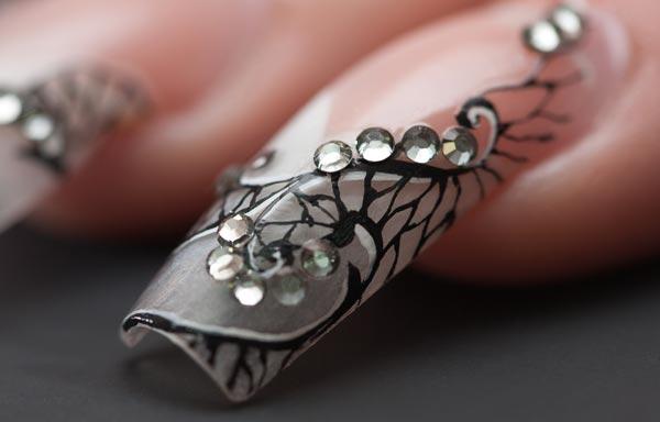 Diseños de uñas acrílicas decoradas (Imágenes)