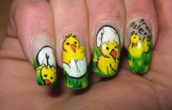 diseño de uñas de acrílico con pollitos