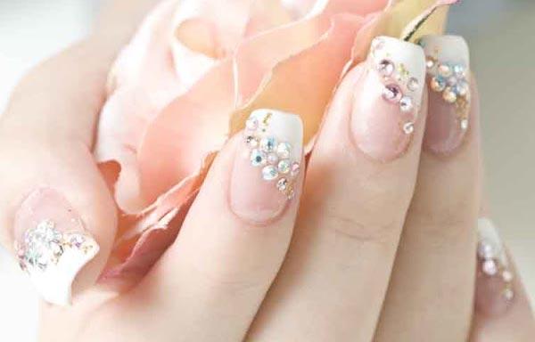 Decoracion de u as para novia con pedreria - Piedras para decorar unas ...