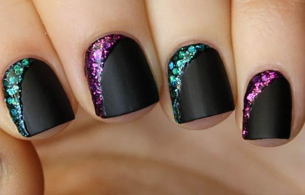 diseño uñas cortas negro brillos