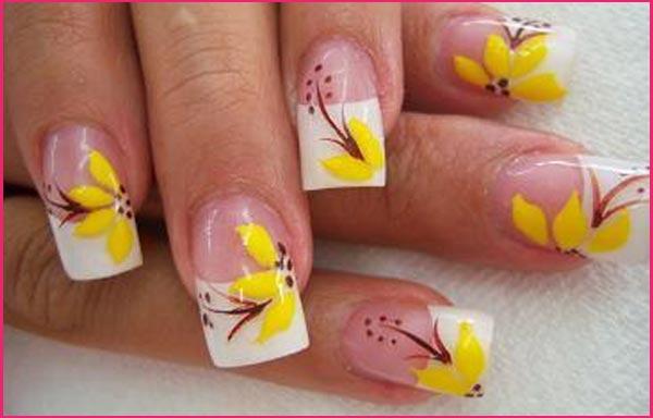 diseño de uñas flores grandes