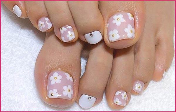 diseños uñas flores en pies