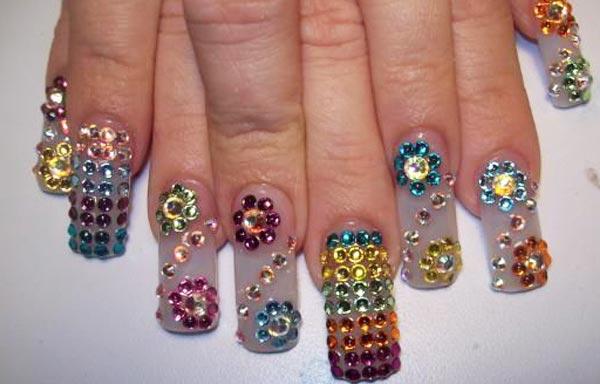 diseño de uñas estilo sinaloa piedras diamantes