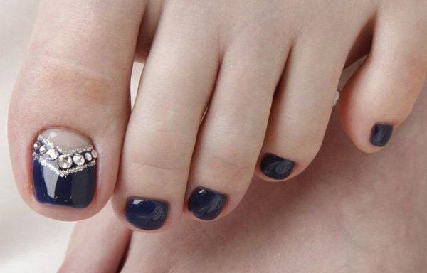 diseño para uñas delos pies con piedras