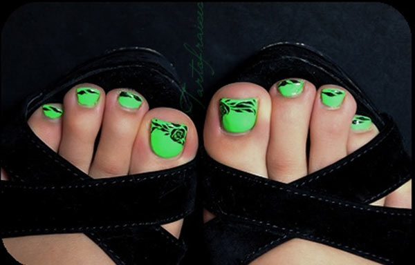 diseño para uñas delos pies verde