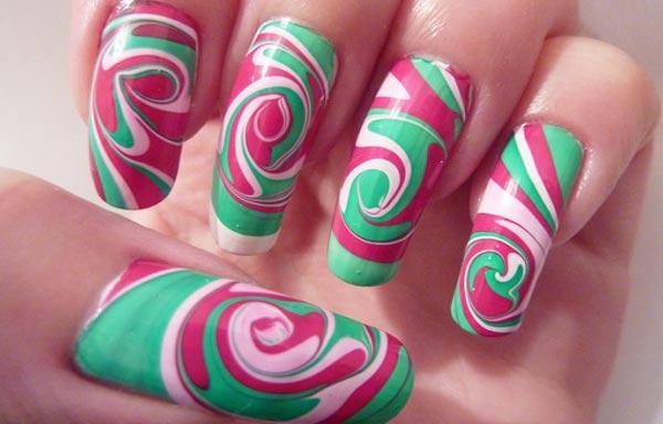 diseño de uñas con agua acrilicas