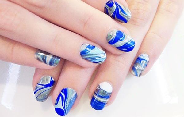 diseño de uñas con agua sencillo