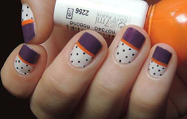 diseño uñas con puntos y rayas