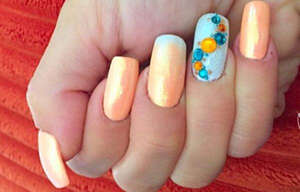 diseño uñas gel sencillo