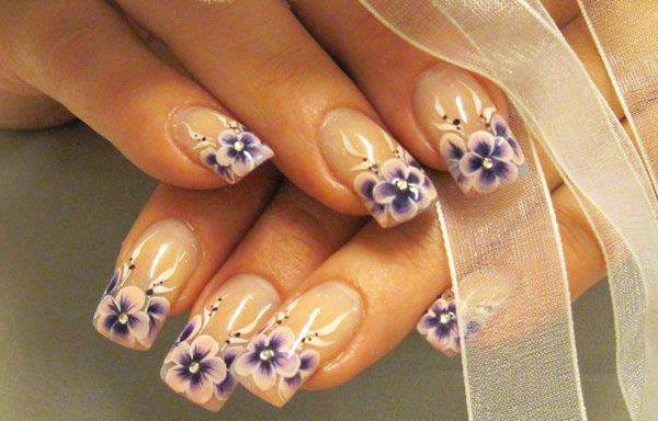 diseños de uñas bonitas flores