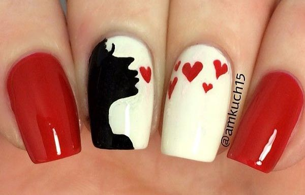 Diseños de uñas juveniles con corazones