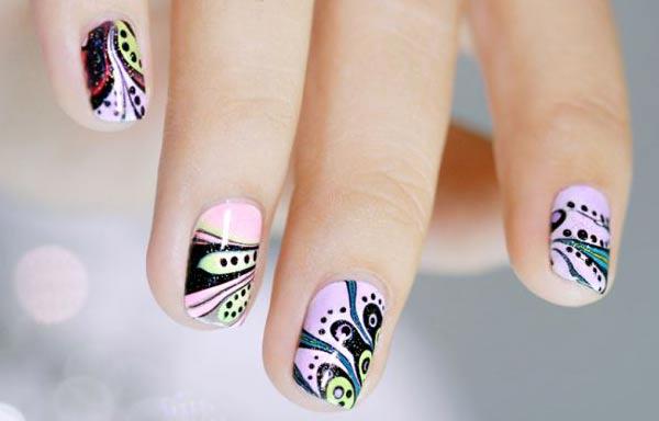Diseños de uñas juveniles con fibra