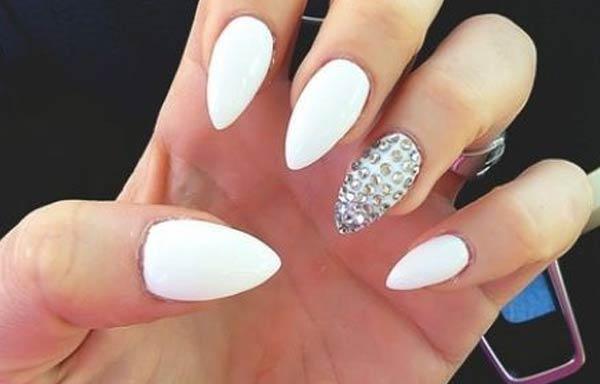 forma uñas con punta