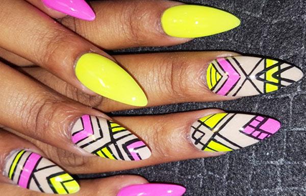 ver diseño uñas neon