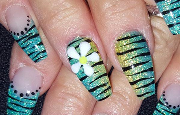 ver diseño uñas zebra