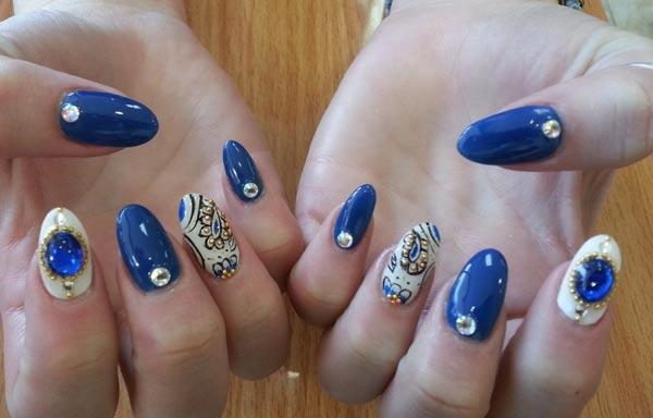 diseño para manicure piedras