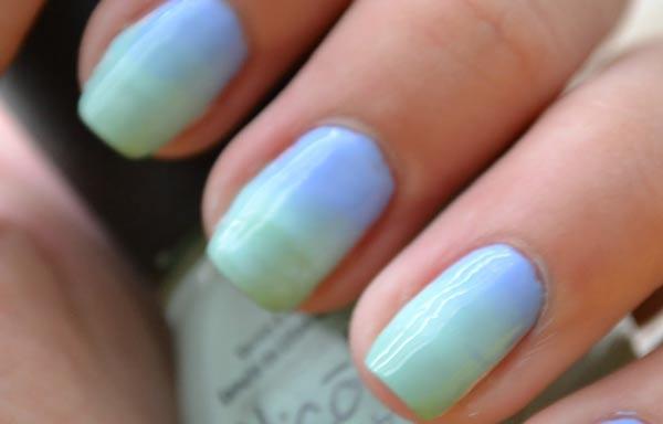 diseño uñas con esponja bicolor