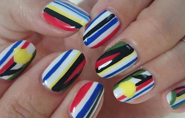 diseños de uñas con rayas colores