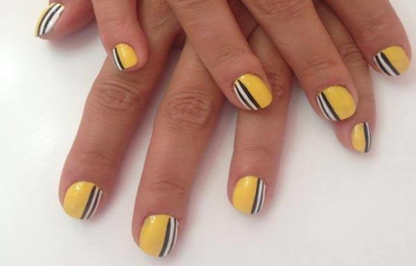 diseño de uñas con rayas faciles