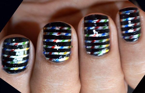 diseños de uñas con rayas plata