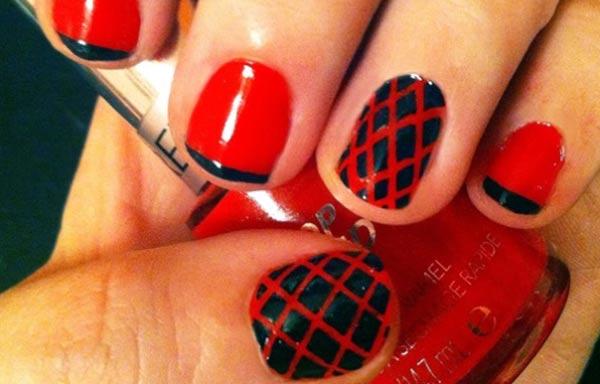 diseños de uñas con rayas rojas