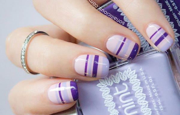 diseños de uñas con rayas rosa violeta