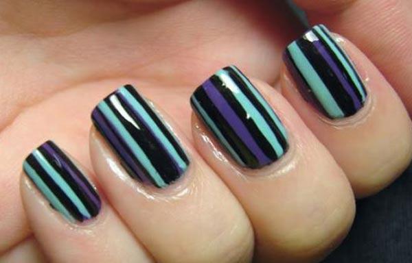 Diseños de uñas con rayas vertical