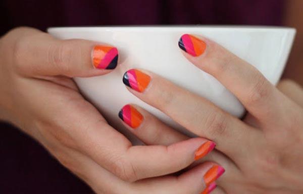 diseño de uñas con tres rayas