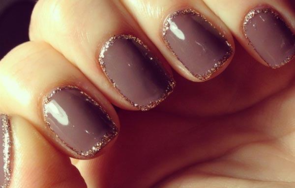 diseño de uñas con escarcha marron