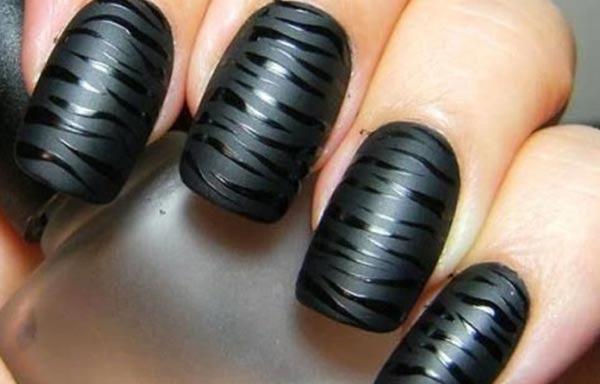 diseño de uñas estilo cebra