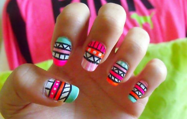 diseño de uñas hipster rayas