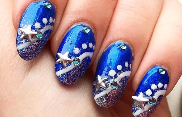 diseño de uñas invierno estrellas