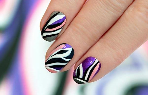 Diseños de uñas a mano alzada manicura