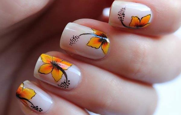 diseño de uñas a la moda acrilica tendencia