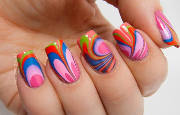 diseño de uñas a la moda agua