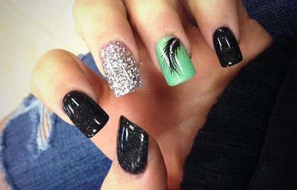 diseño de uñas a la moda elegante