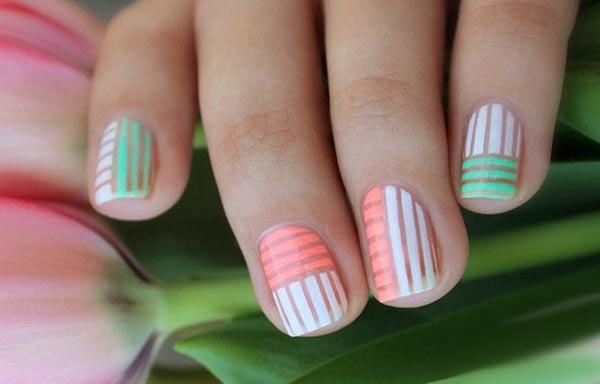 diseño de uñas a la moda rayas