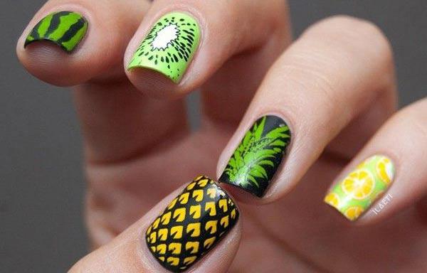diseño de uñas a la moda tropical