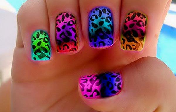 Diseños de uñas acrilicas neón animal print