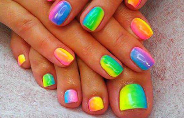 diseño de uñas colores degradados