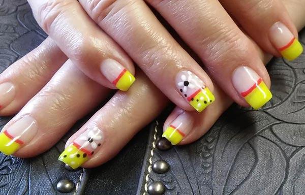 Diseño de uñas neón flores