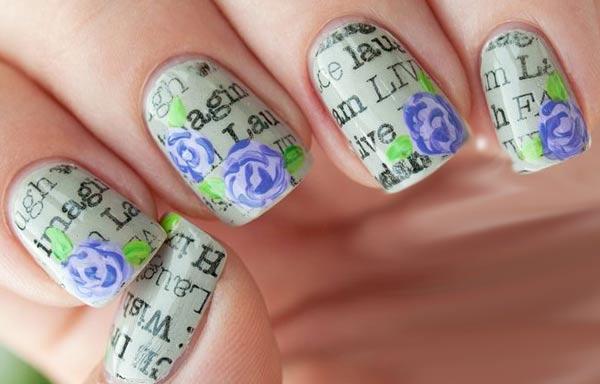 diseño de uñas con periodico y flores