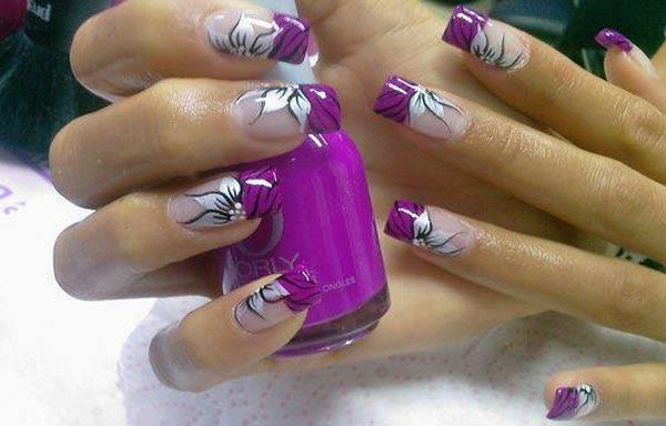 diseño de uñas con petalos de rosas
