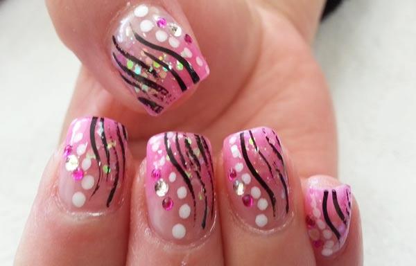 diseños de uñas pinceladas brito
