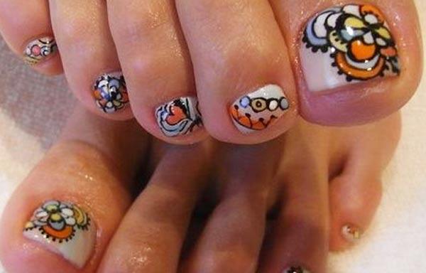 diseño de uñas pinceladas de pies