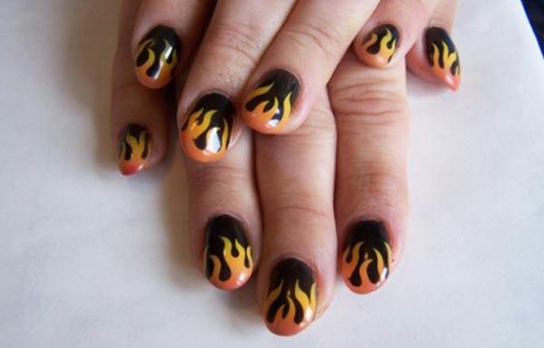 diseño de uñas pinceladas sencillos