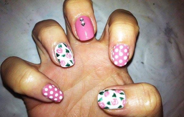 diseños de uñas shellac flores y puntos