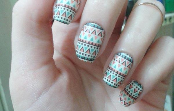 diseño de uñas tribales clasico