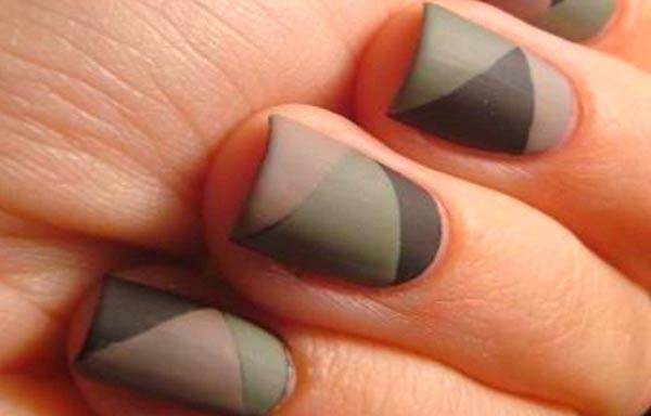 diseño de uñas en colores apagados